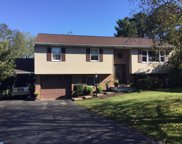 245 W 49Th Street, Reading image
