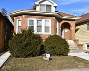 6046 West Barry Avenue, Chicago image