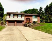 277 Carmell Dr, Upper St. Clair image