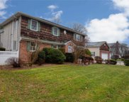 51  Riverleigh Place, Amityville image