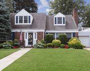 128 Wright Rd, Rockville Centre image