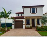 10349 W 35th Ln, Hialeah image