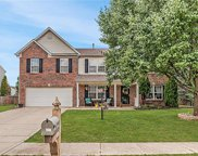 10682 Standish  Place, Noblesville image