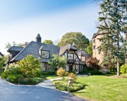 550 Hathaway Circle, Lake Forest image