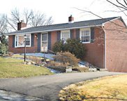 205 Wessex Hills Drive, Moon/Crescent Twp image