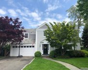 101 Andover Rd, Rockville Centre image