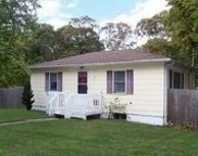 127 Coventry  Ave, Mastic image