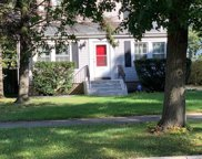 2305 South 10Th Avenue, Broadview image