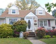 302 Dorchester  Road, Garden City S. image