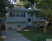 587 Patchogue Ave, Bellport image