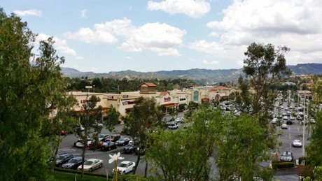 Valencia Marketplace in Santa Clarita