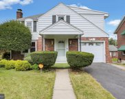 2525 Garfield Ave, Reading image