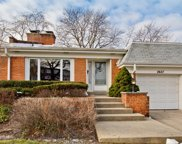 2627 East Bel Aire Drive, Arlington Heights image