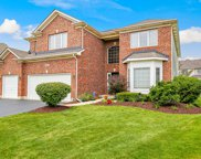 864 Chasewood Drive, South Elgin image