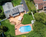 13 Weatherstone  Way, Smithtown image