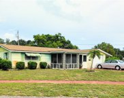 5345 Riddle Road, Holiday image