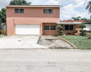 413 Sw 68th Ave, Pembroke Pines image
