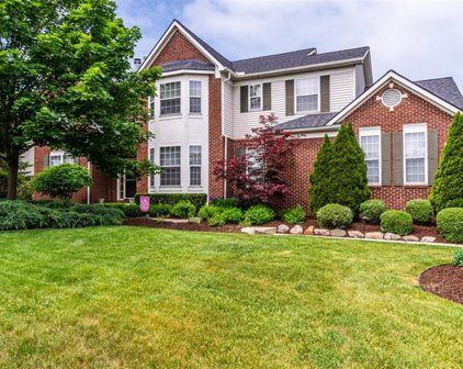 1027 Carriage Trace, South Lyon