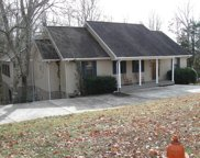 105 Paradise Dr W, Winchester image