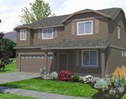 1255 West Hill, Sisters image