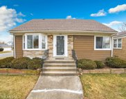 2401 South 13Th Avenue, Broadview image