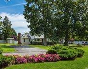 255 Shore  Road, Oakdale image