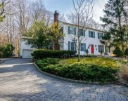 195 Cove Road, Laurel Hollow image