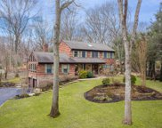 44 Valleyview Dr, Northport image