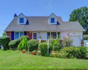 12 Perry Ave, Bethpage image