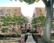 50 White Oak  Street Unit #2F, New Rochelle image