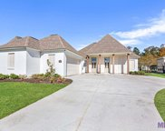17943 Villa Lake Ave, Greenwell Springs image