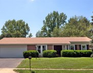 61 White Plains, Chesterfield image