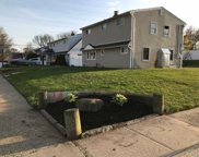 Bloomingdale Rd, Levittown image