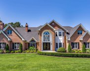 16 Wood Hollow  Lane, Northport image