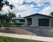 1520 Nw 109th Ter, Pembroke Pines image
