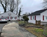 101 E Bayview Ave, Pleasantville image