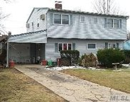 121 Farmedge Rd, Levittown image