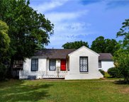 1736 S Edgefield, Dallas image