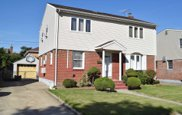 252 Colonial Ave, Williston Park image