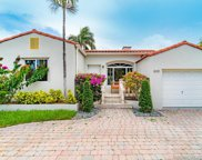 8810 Byron Ave, Surfside image