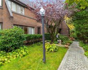 34 Spring  Hollow, Roslyn image