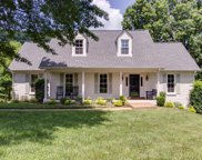 611 Hunters Ln, Brentwood image