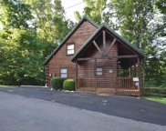4218 Dollys Dr, Sevierville image