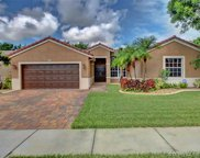 382 Sw 200th Ter, Pembroke Pines image