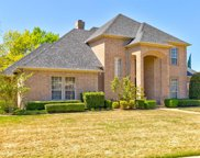 6408 Meadows West Drive, Fort Worth image