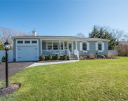 1039 Middle  Road, Riverhead image
