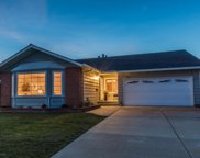 320 Topsail Ct, Foster City image