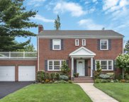9 Fairmount Blvd, Garden City image