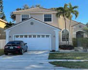 1051 Nw 190th Ave, Pembroke Pines image