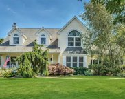 4 Harborfields  Court, Greenlawn image